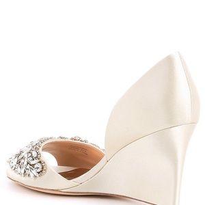 46ef708340 Badgley Mischka Shoes - Badgley Mischka Women's Hardy Wedge Sandal Ivory